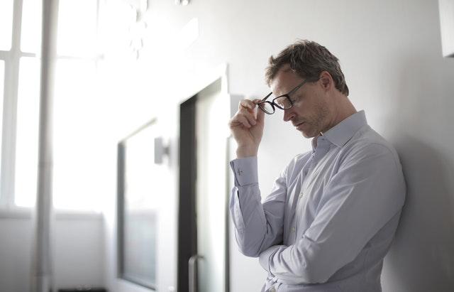 La sindrome dell'impostore: cos'è e come sconfiggerla